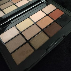 Jouer Essential Eyeshadow palette